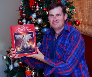 2008_12_07_8056_christmas_decorations_book