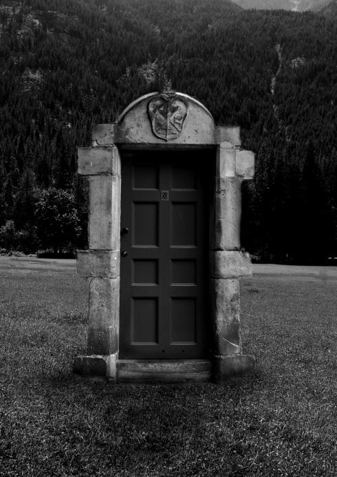 Raven_Door